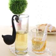 1-Pcs-Blanc-Noir-Nouveaut-Th-Infuser-Swan-Motif-L-che-Passoire-th-Herb-Spice-Filtre_99